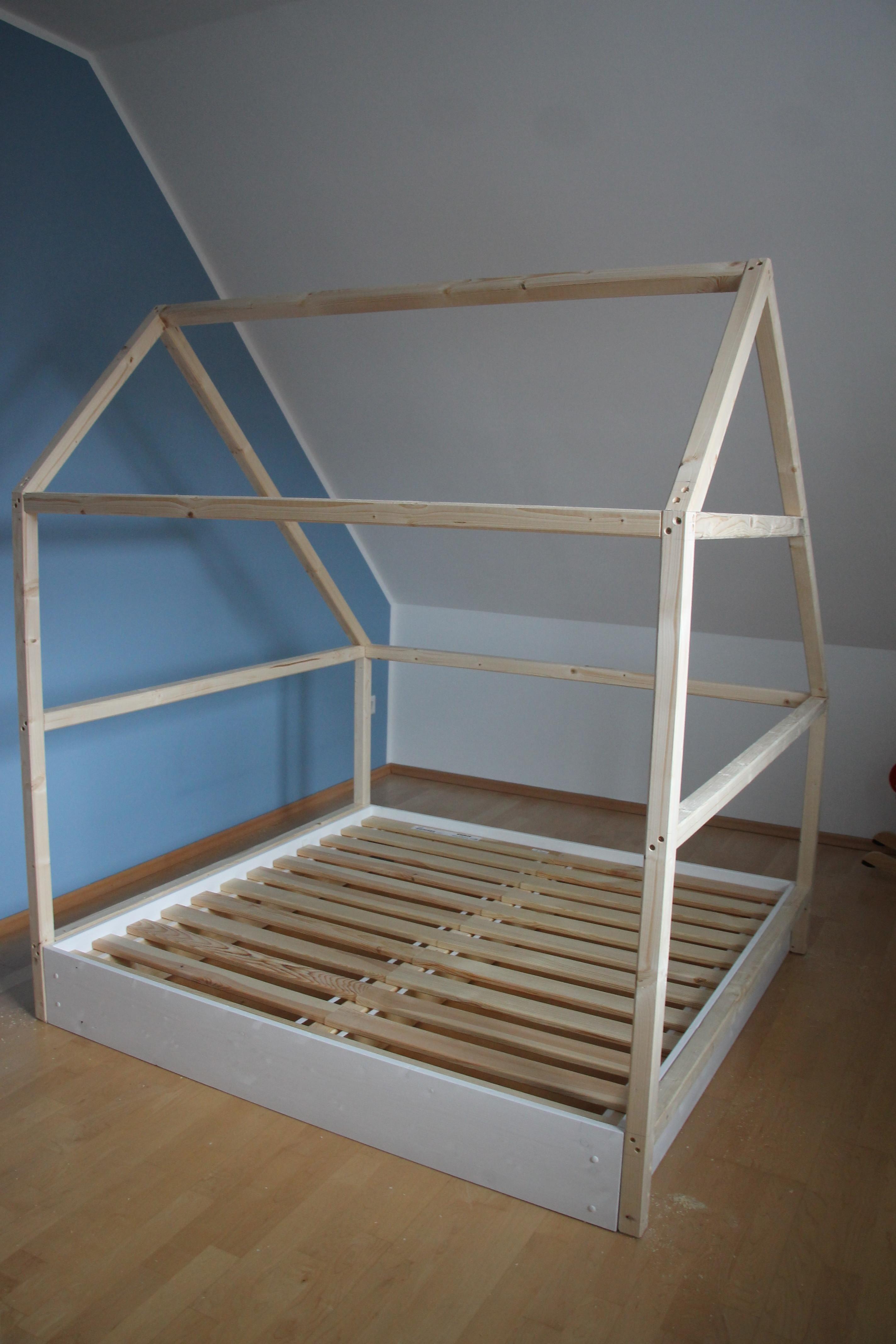 Kuschelecke Kinderzimmer Diy.Diy Ein Selbstgebautes Spielhaus Für Das Kinderzimmer