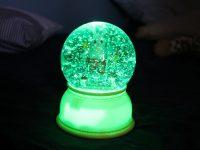 Gemütlichkeit im Kinderzimmer mit einem magischen Nachtlicht von Djeco