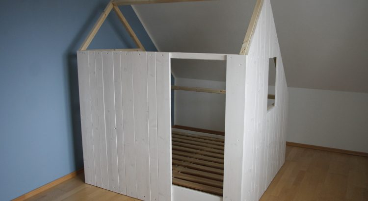 diy ein selbstgebautes spielhaus f r das kinderzimmer lavendelblog. Black Bedroom Furniture Sets. Home Design Ideas