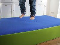 Kinder brauchen Bewegung: Das große Hüpfpolster von JAKO-O im Test