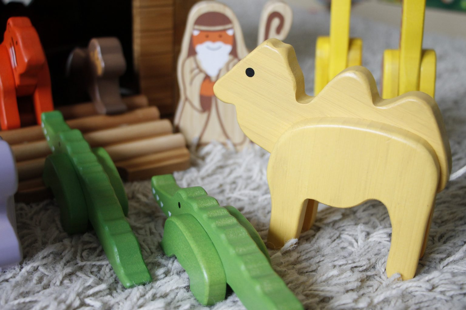Tiere aus Holz EverEarth