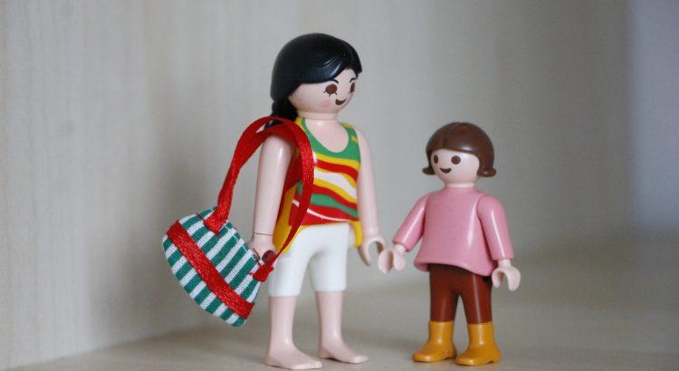 Mütter im Wandel - Wickeltaschen vs. Handtaschen