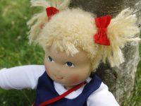 Ein Geschenk zum zweiten Geburtstag: Eine Heidi Hilscher Puppe