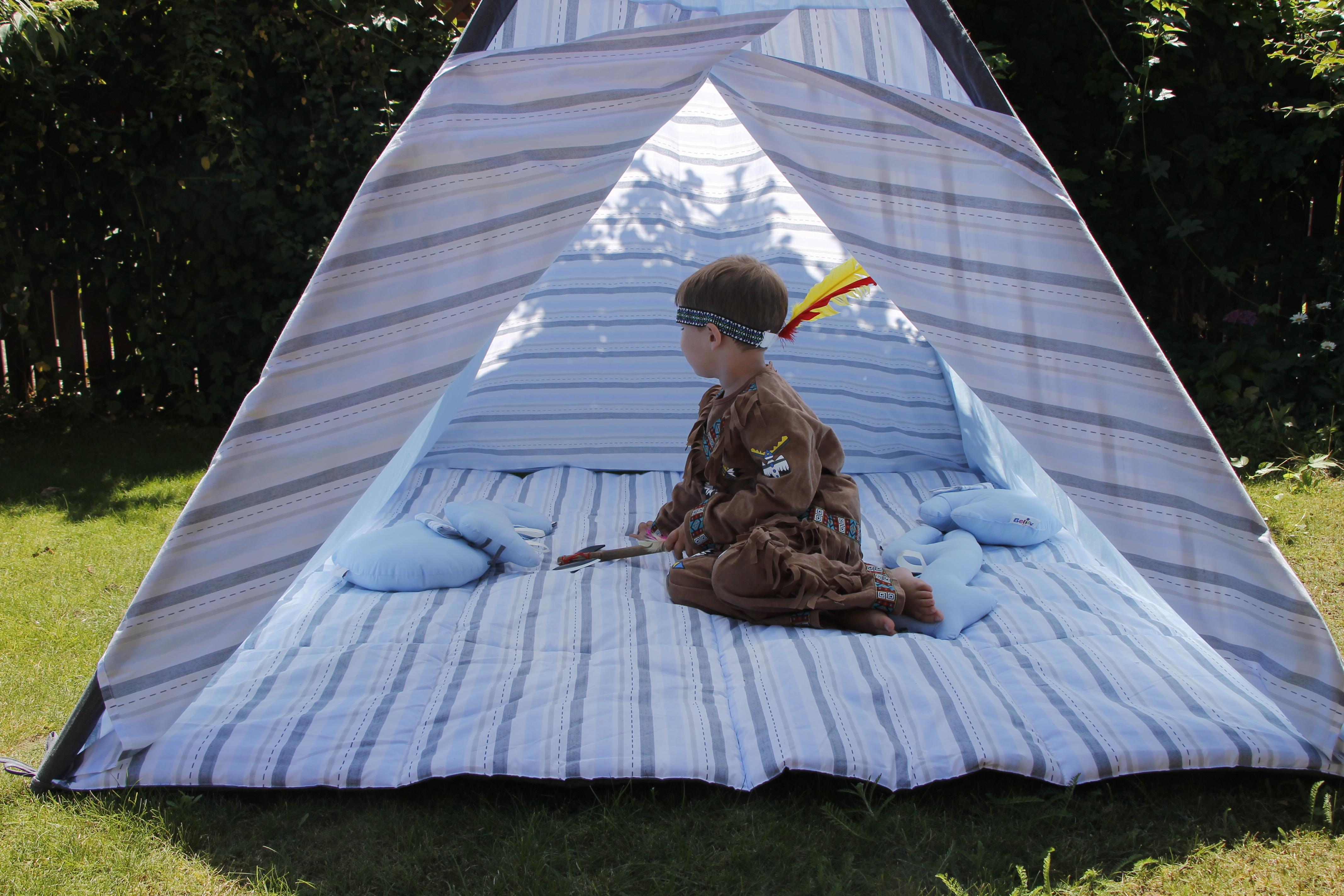 ein spielzelt von belily f r das kinderzimmer lavendelblog. Black Bedroom Furniture Sets. Home Design Ideas