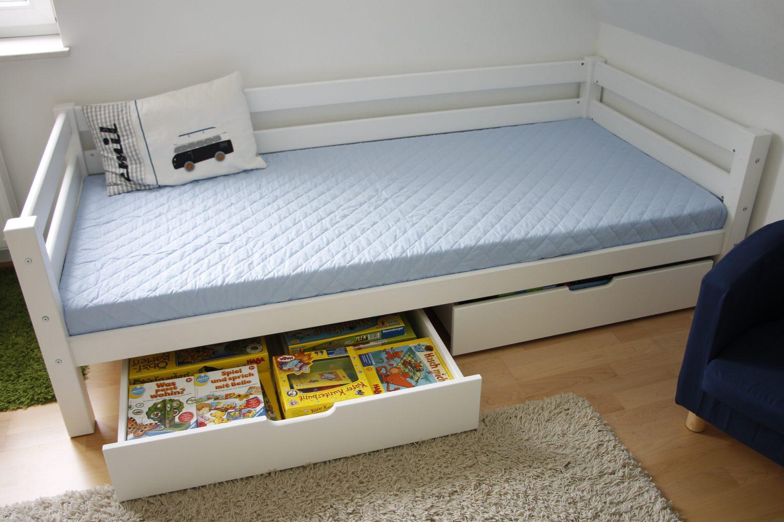 ein hoppekids bett f r das kinderzimmer lavendelblog. Black Bedroom Furniture Sets. Home Design Ideas