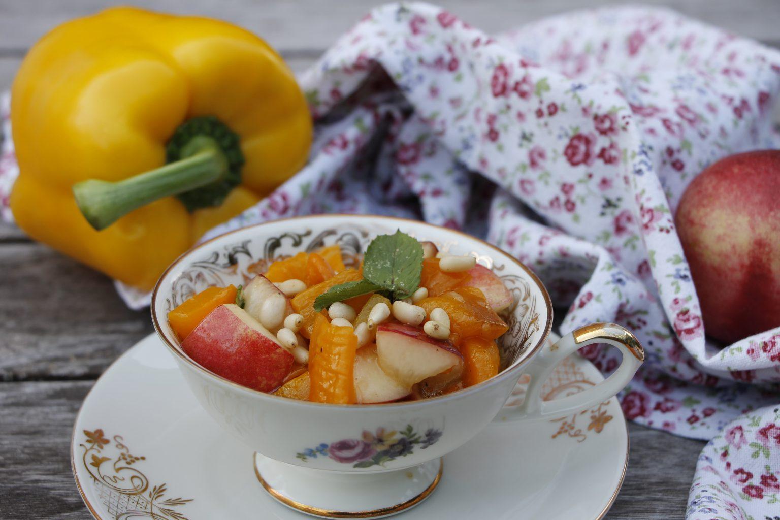 Paprika-Nektarinen-Salat