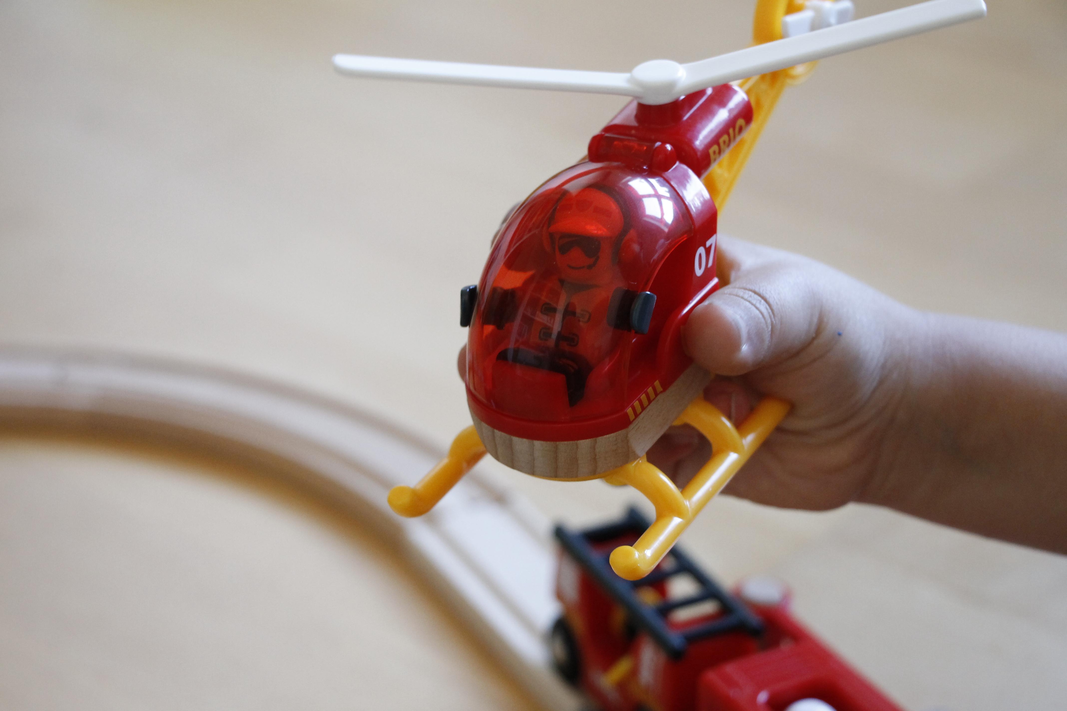 Spielzeugautos BRIO Feuerwehr-Hubschrauber