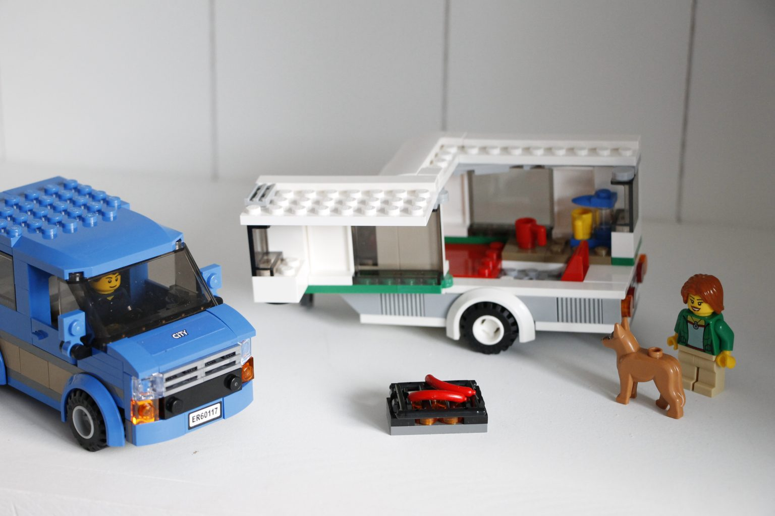 Lego City Van und Wohnwagen