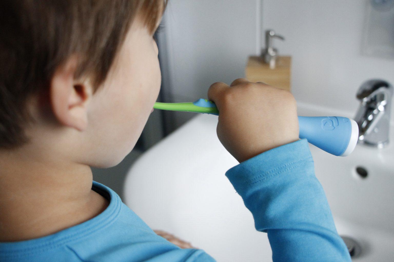 Playbrush Zähneputzen mit Kindern