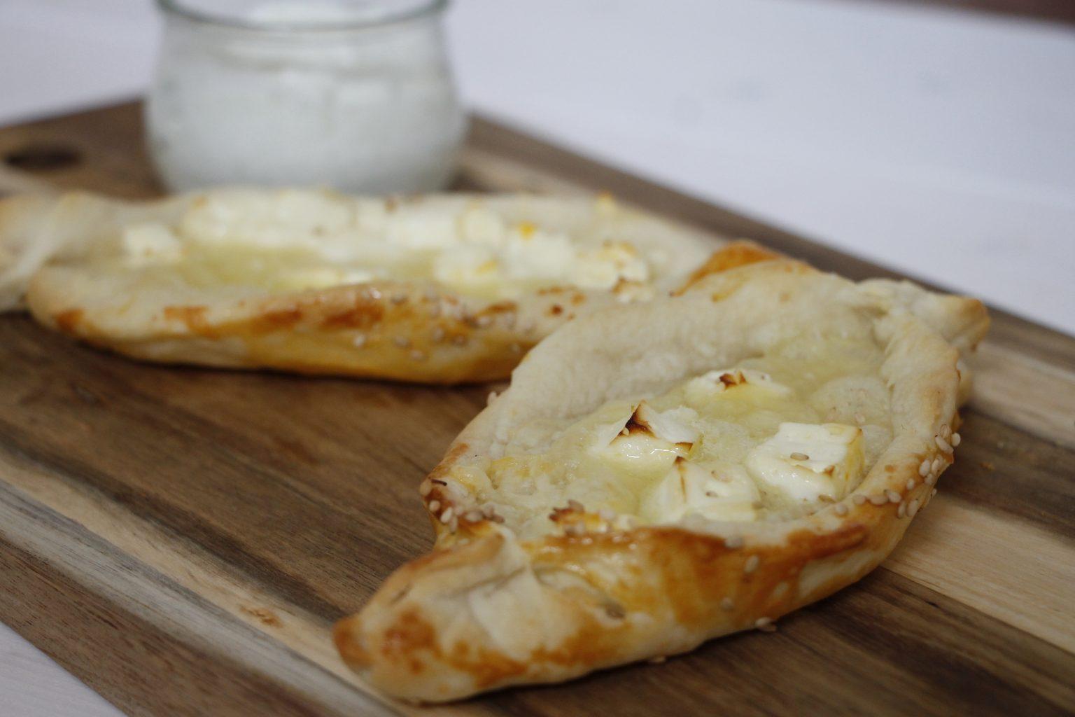 Peynirli Pide Rezept