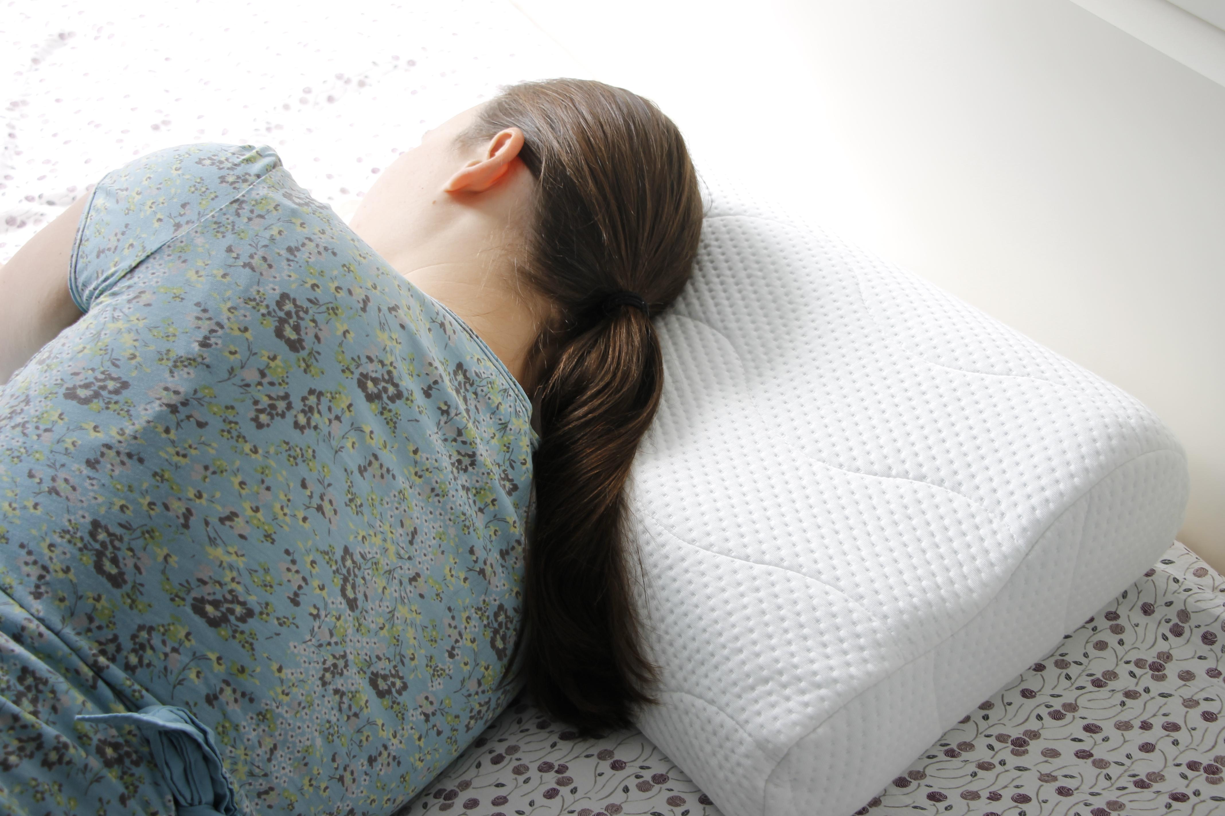 erholsamer schlaf dank buddy nackenkissen meine erfahrungen lavendelblog. Black Bedroom Furniture Sets. Home Design Ideas