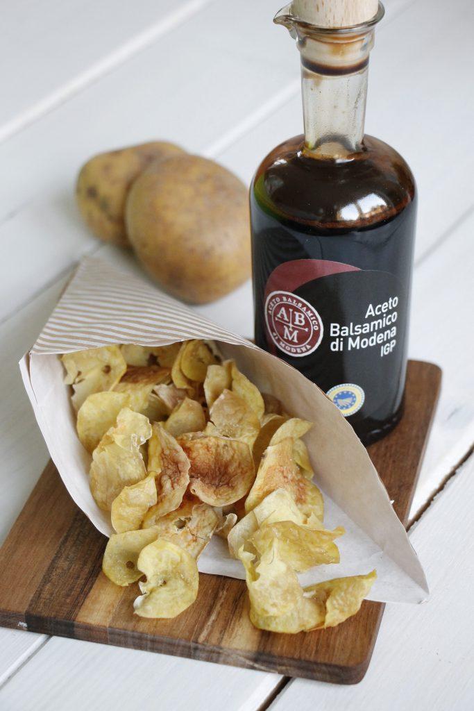 gartenparty rezepte tomatentarte und selbstgemachte chips lavendelblog. Black Bedroom Furniture Sets. Home Design Ideas