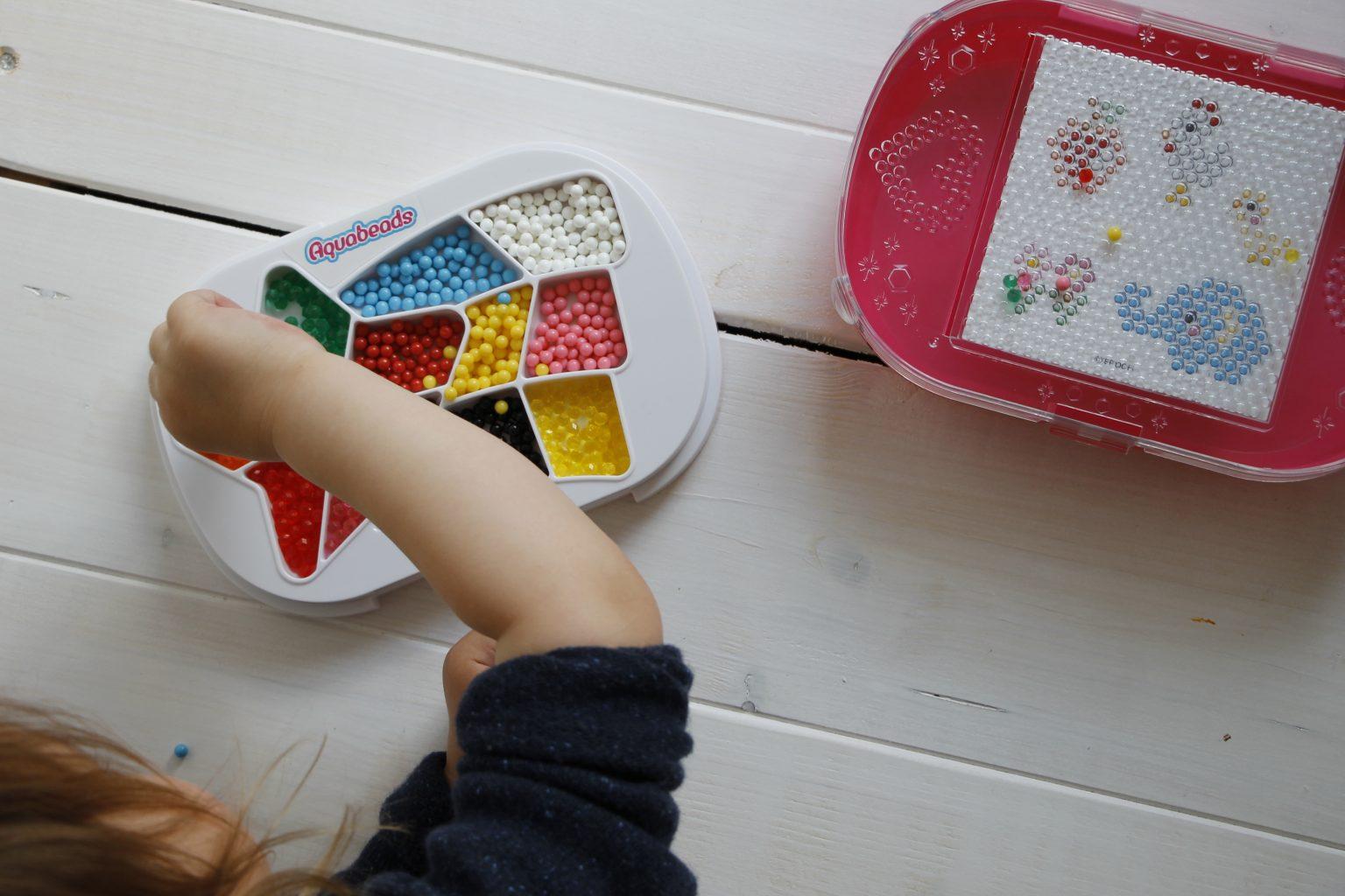 Feinmotorik schulen Kinder