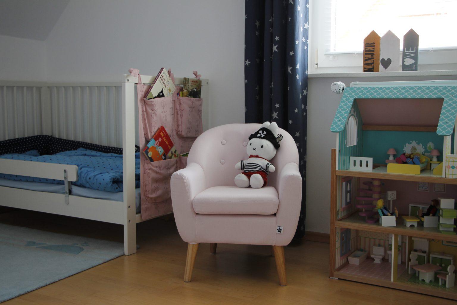kinderzimmer kleine couch f r kinderzimmer kleine couch. Black Bedroom Furniture Sets. Home Design Ideas
