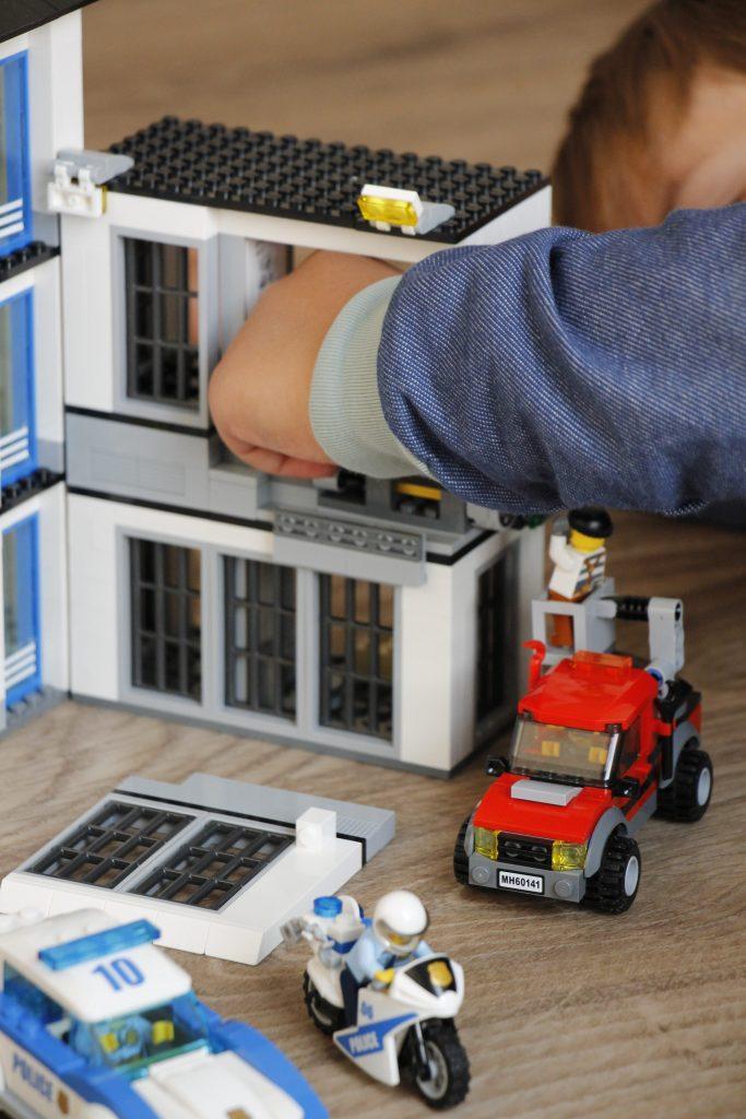 Lego City Polizeiwache Aufbau