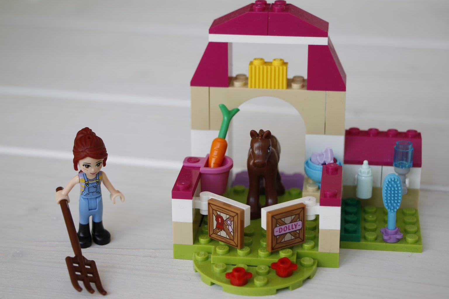 Lego Juniors Mias Pferdestallkoffer