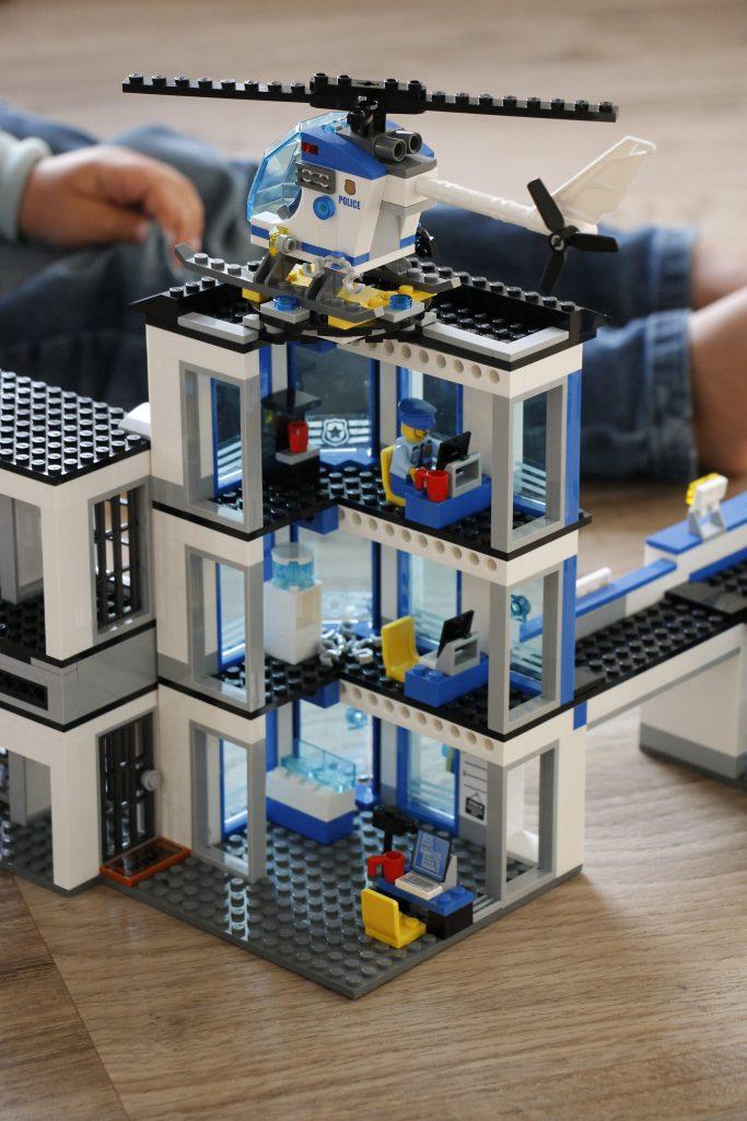 Lego Polizeiwache Aufbau