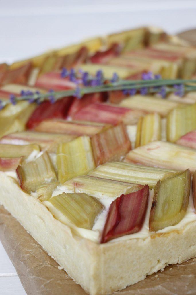 Rhabarber-Pudding-Kuchen Rezept