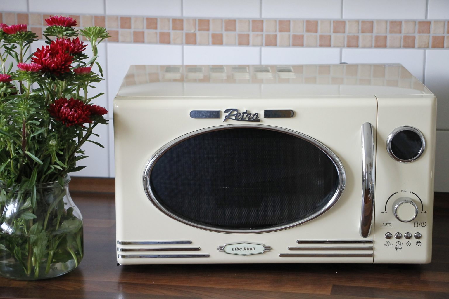 anzeige k sekuchen muffins mit heidelbeeren aus dem efbe. Black Bedroom Furniture Sets. Home Design Ideas