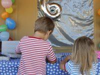 Ein unkonventioneller Kindergeburtstag und ein DIY für Einladungskarten