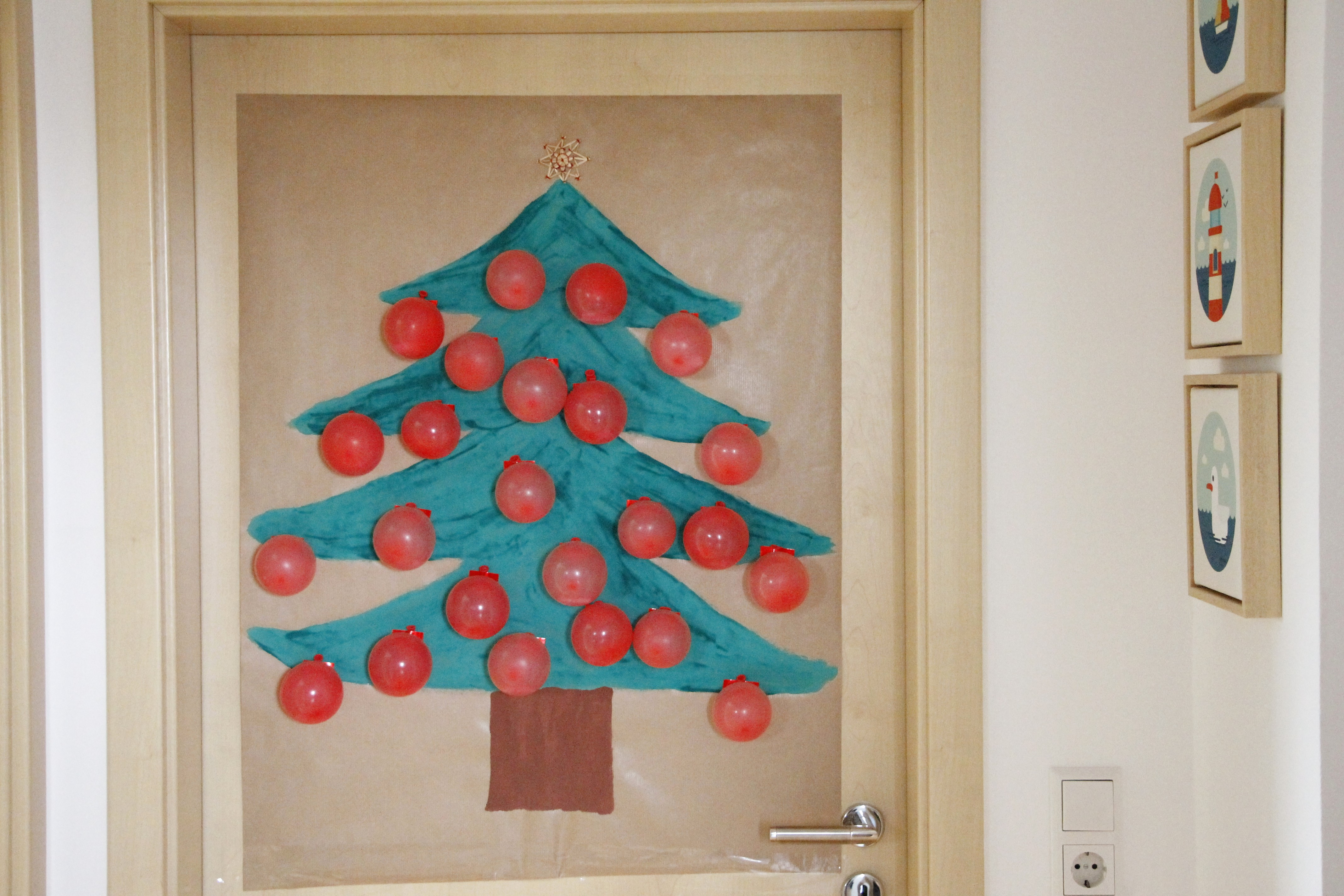 weihnachtsbaum adventskalender luftballons lavendelblog. Black Bedroom Furniture Sets. Home Design Ideas