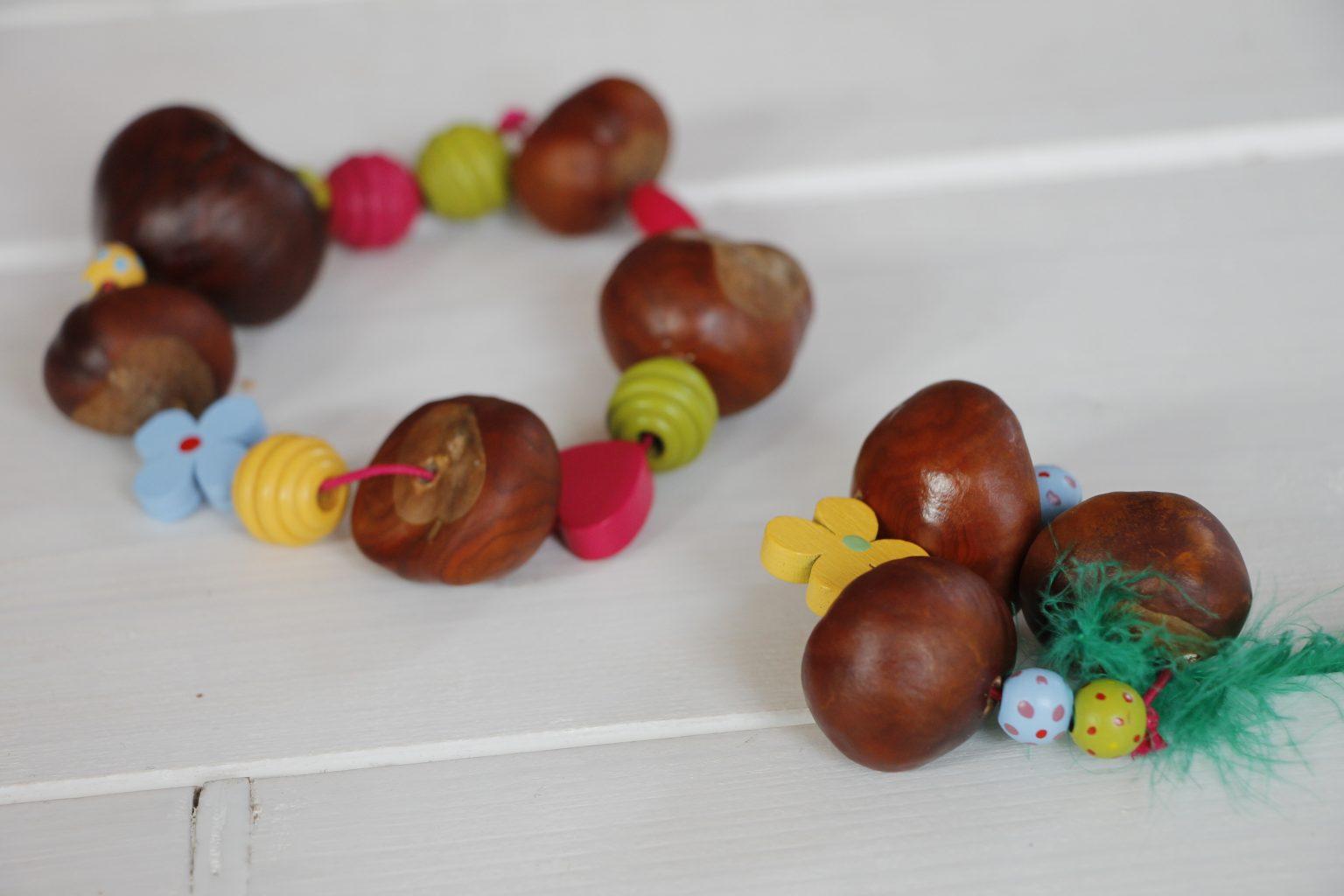 Basteln mit kastanien eine kastanienkette eine for Herbstschmuck basteln