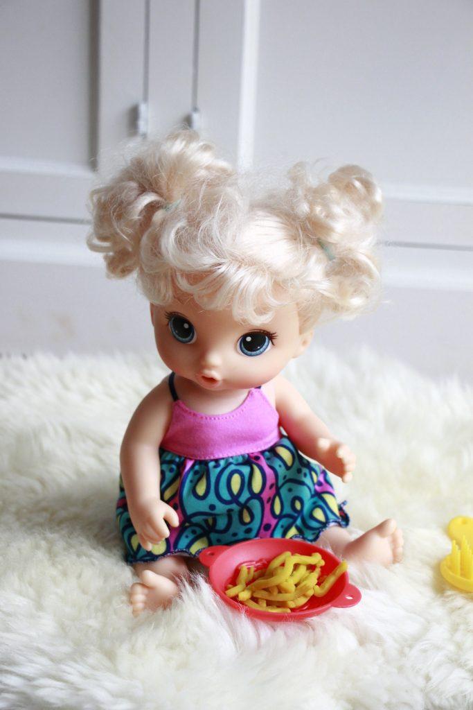 Hasbro Puppe Baby Leckerschmecker