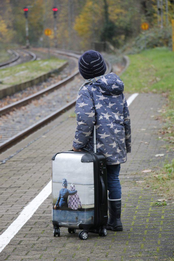 entspannt Bahn fahren mit Kind