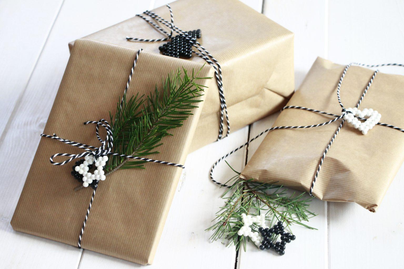 Geschenke verpacken Ideen mit Packpapier