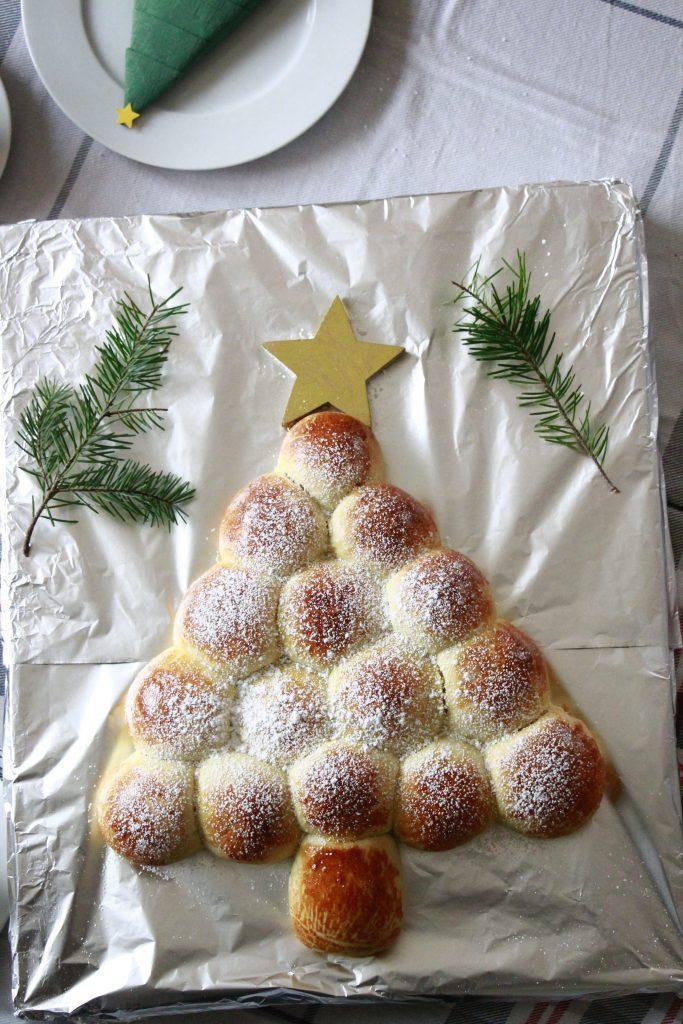 Hefeteig Weihnachtsbaum Rezept