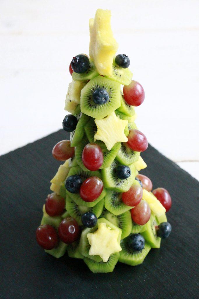 Tannenbaum aus Obst Anleitung