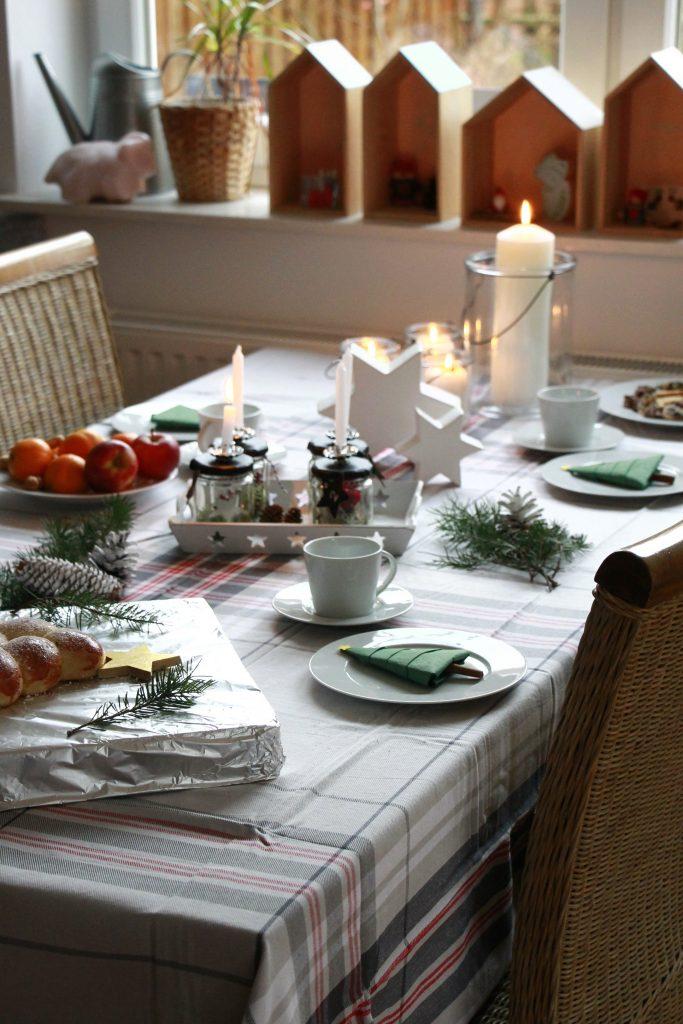 Tisch weihnachtlich dekorieren Erwin Müller