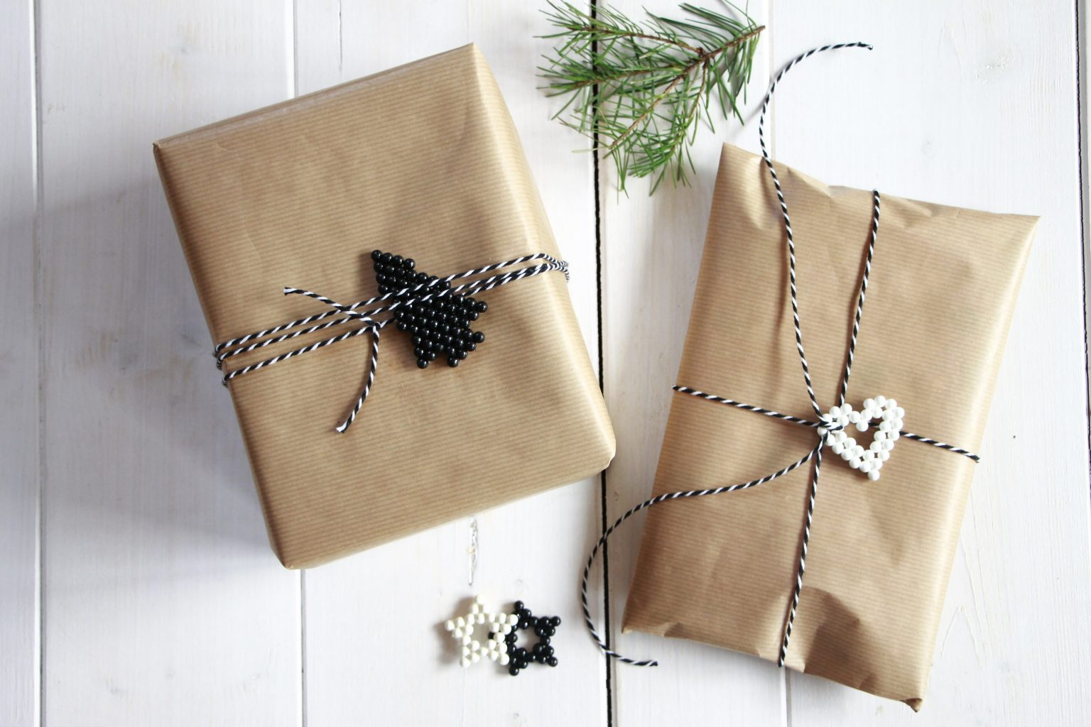 Weihnachtsgeschenke verpacken Ideen Packpapier