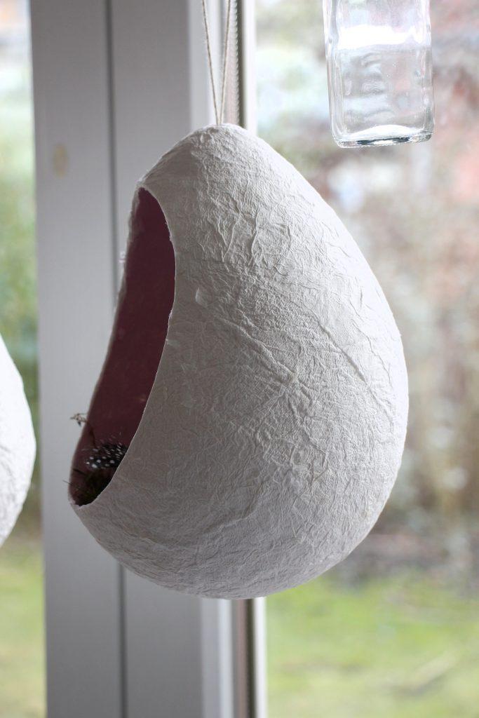 Pappmaschee Ei selber machen