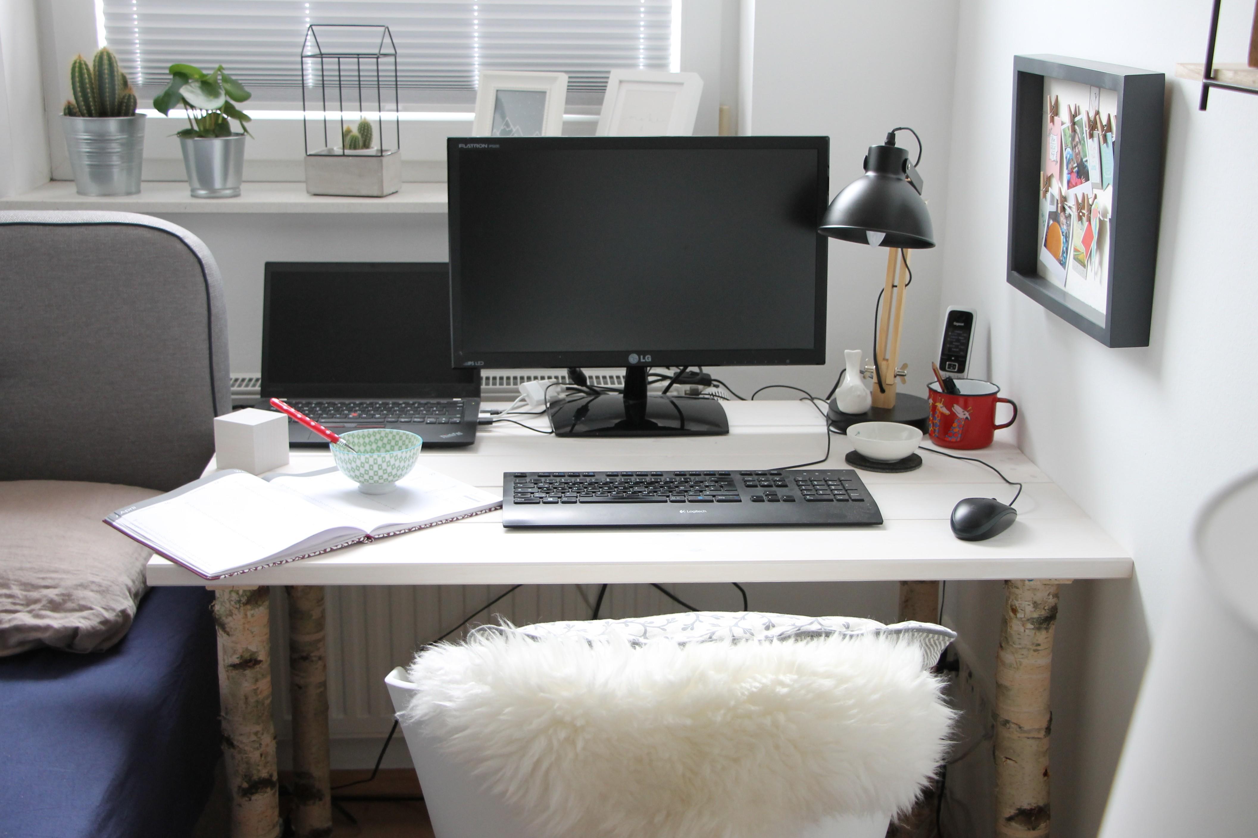 Nächste · Selbstgebauter Schreibtisch DIY