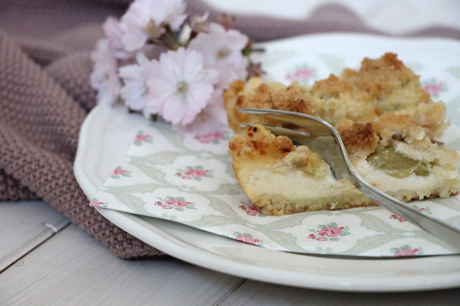 Rhabarber-Blechkuchen Rezept