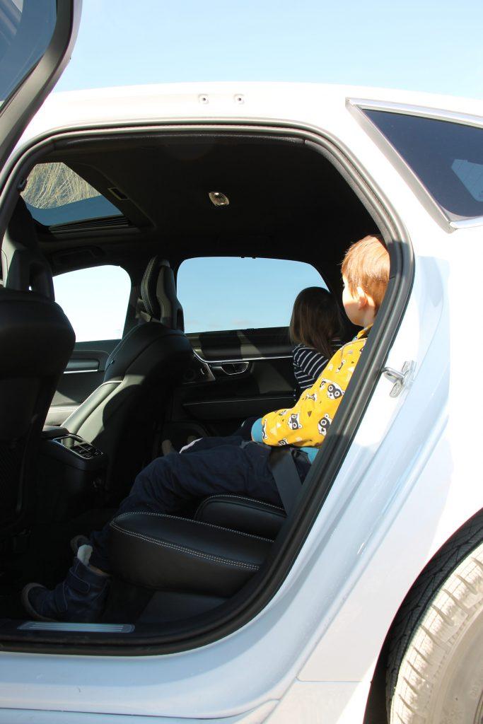 Volvo eingebaute Kindersitze
