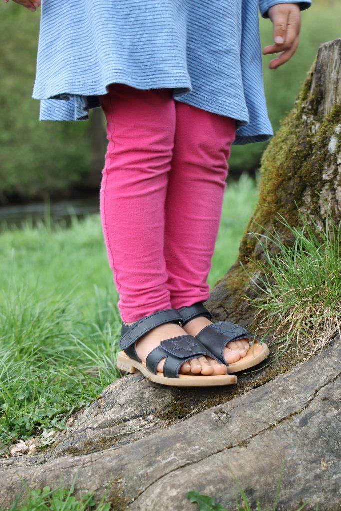 Mädchen-Sandalen elegant