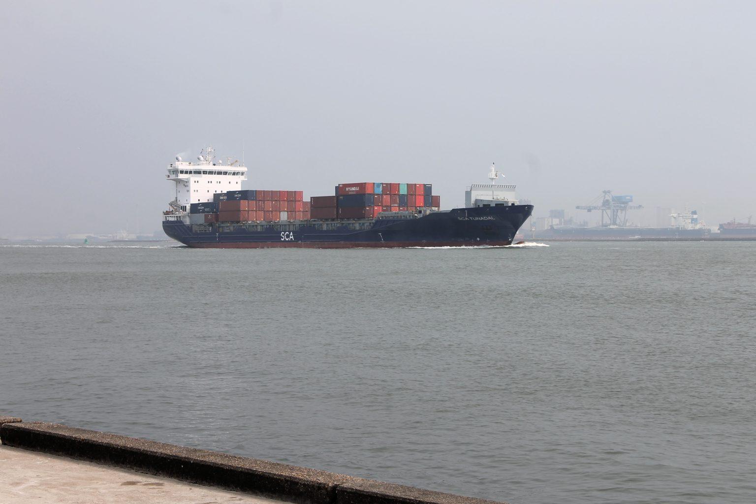 Containerschiff Hoek van Holland