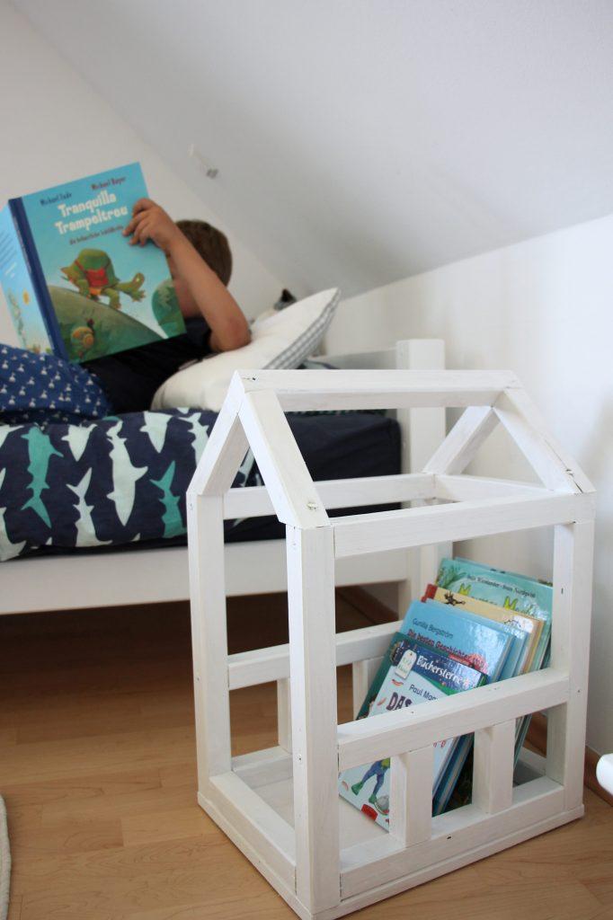 Kinderzimmer-DIY: Bücherkiste selber bauen - Lavendelblog