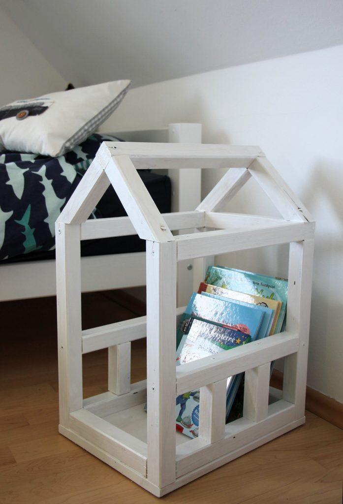 Kinderzimmer Bücherkiste bauen