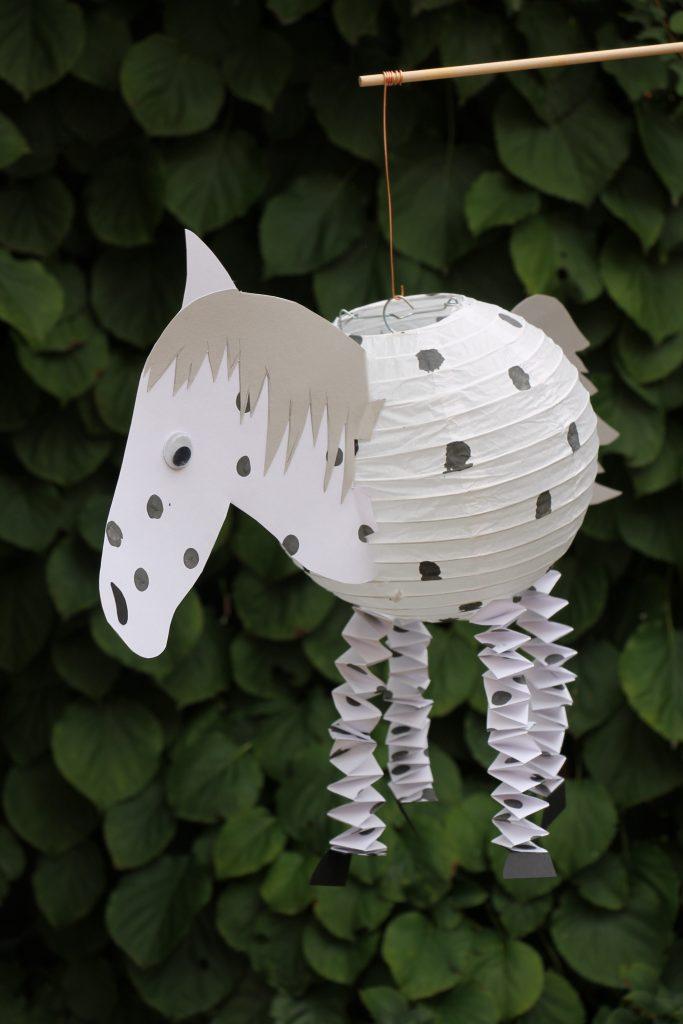 DIY Pferdelaterne basteln