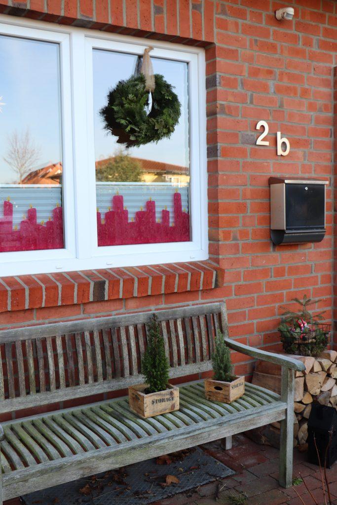 weihnachtliche fensterdeko transparentpapier kerzen basteln lavendelblog. Black Bedroom Furniture Sets. Home Design Ideas