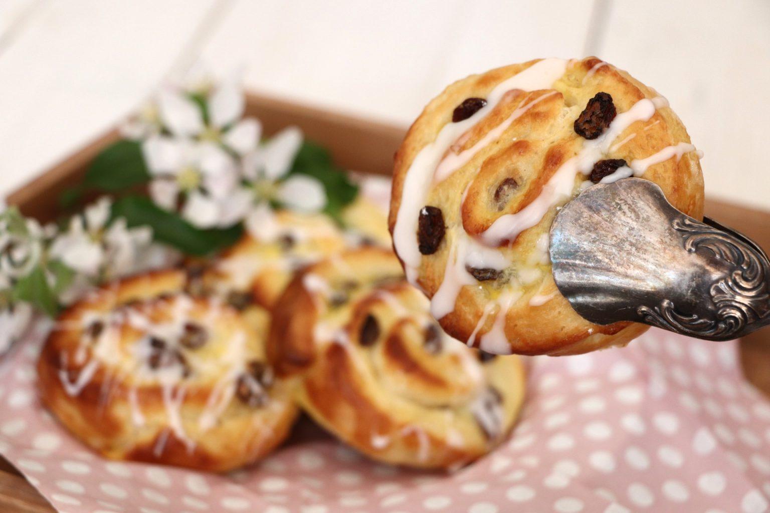 Rosinenschnecken mit Pudding Rezept