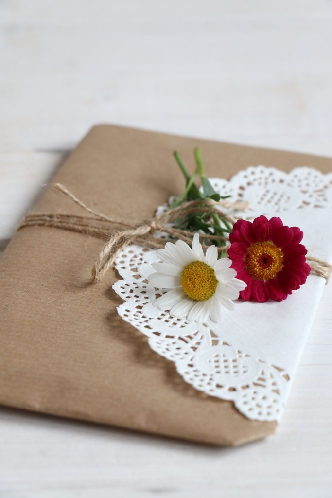 Geschenke mit echten Blumen