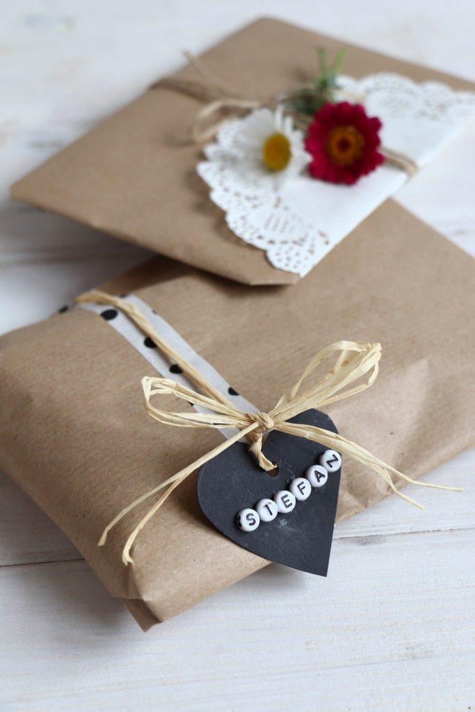 Geschenke schlicht verpacken