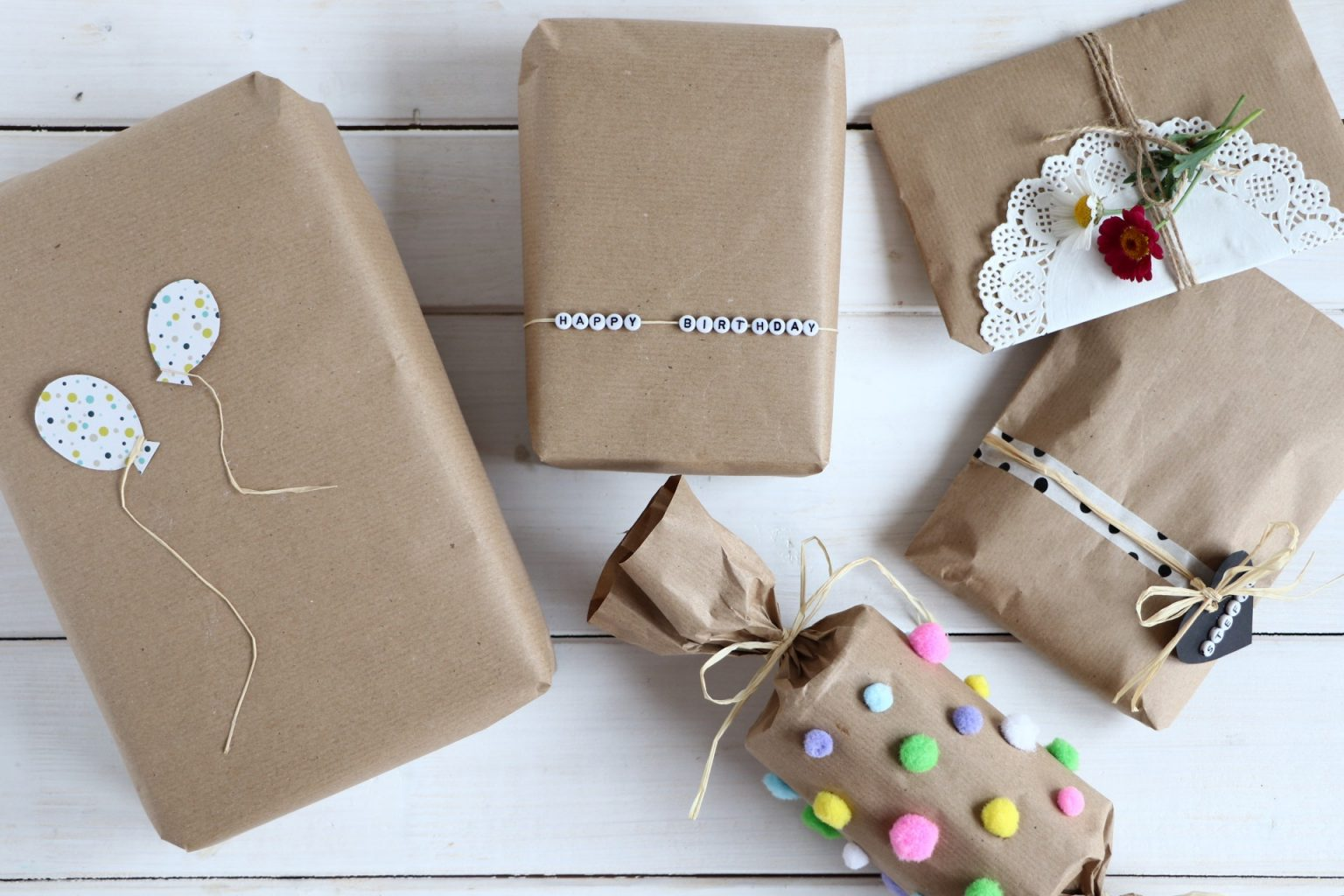 Geschenke verpacken Packpapier