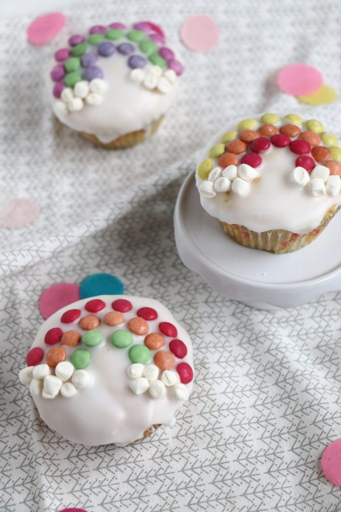 Regenbogen Muffins Kindergeburtstag