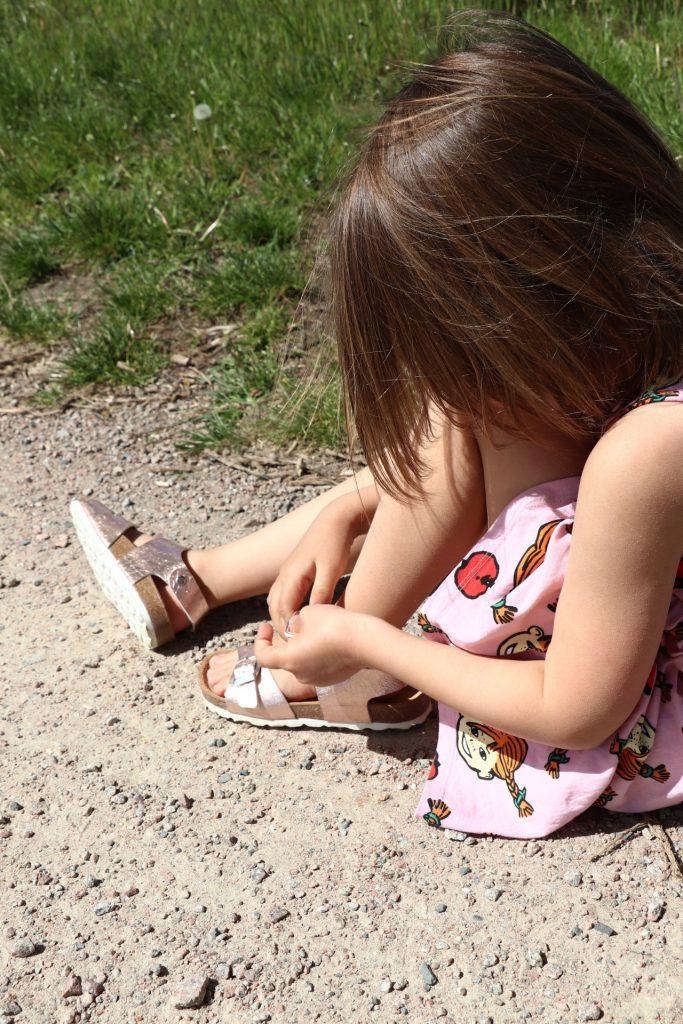 Kindersandalen mit Klettverschluss