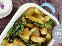 Parmesan-Kartoffeln und grüner Spargel aus dem Ofen